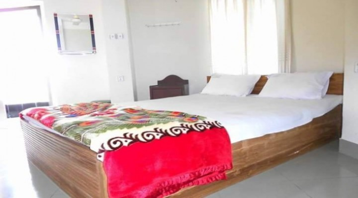 Hotel Ecochari Inn