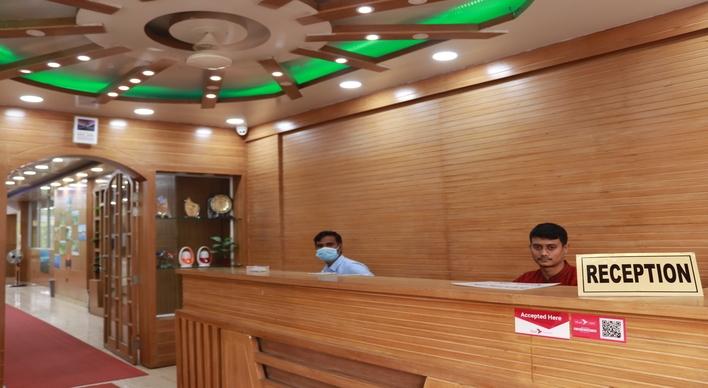 Hotel Rajmahal International